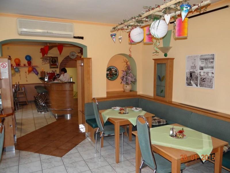 Pizzeria a Penzión ESO #33