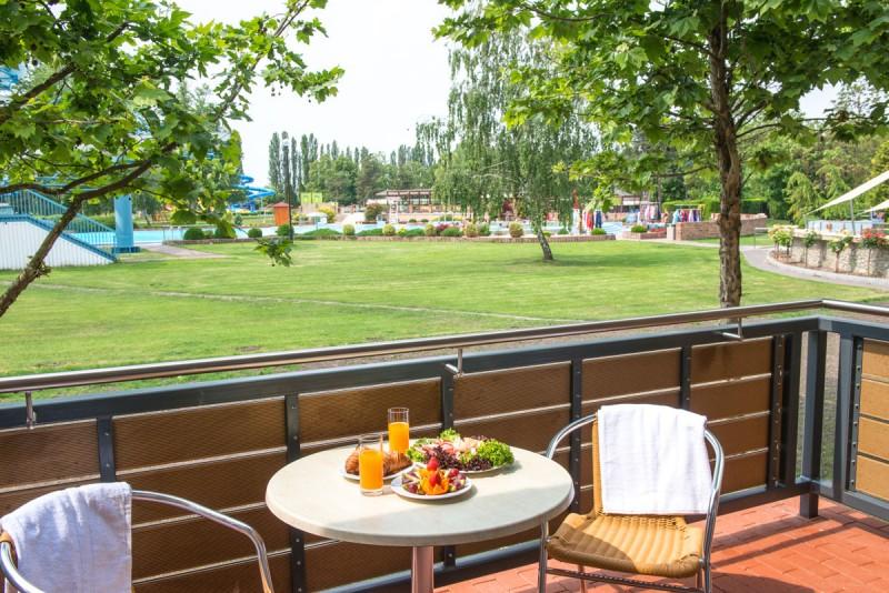 Posezónny pobyt v Thermalparku DS s procedúrami a vstupom do vonkajších a vnútorných bazénov #5