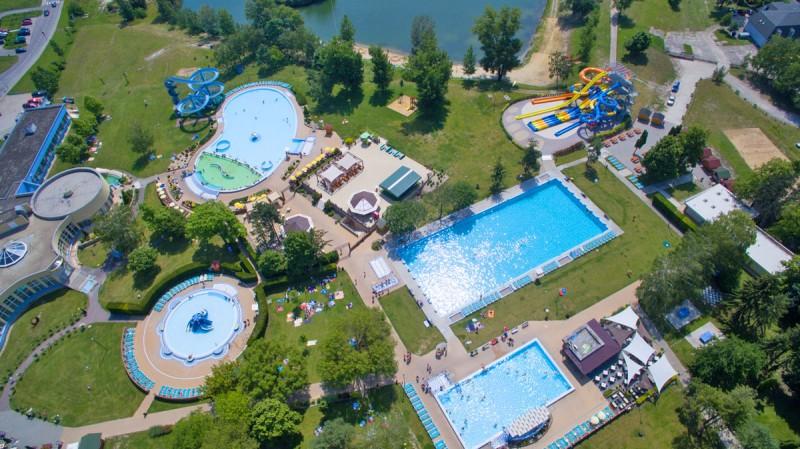 Posezónny pobyt v Thermalparku DS s procedúrami a vstupom do vonkajších a vnútorných bazénov #54
