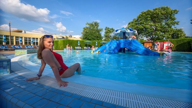 Posezónny pobyt v Thermalparku DS s procedúrami a vstupom do vonkajších a vnútorných bazénov #48