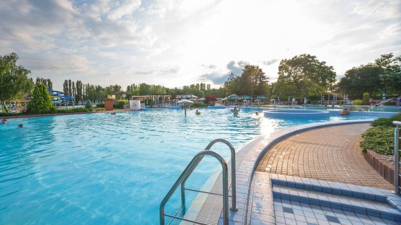 Posezónny pobyt v Thermalparku DS s procedúrami a vstupom do vonkajších a vnútorných bazénov #49