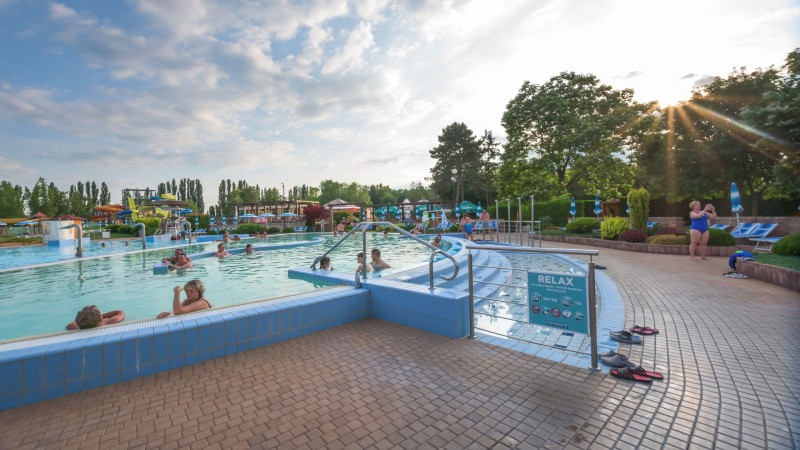 Posezónny pobyt v Thermalparku DS s procedúrami a vstupom do vonkajších a vnútorných bazénov #47