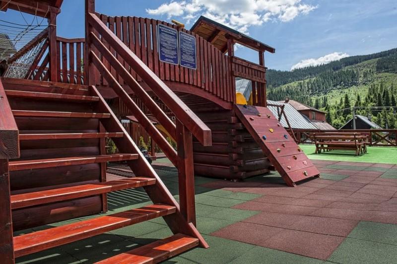 Winter &  Summer Resort #24