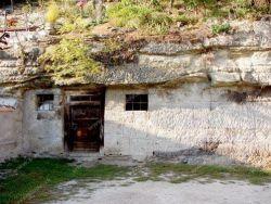 Skalné obydlia Brhlovce Žemberovce