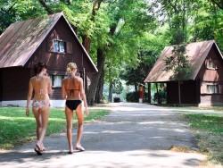 Chatová osada Poľný Kesov
