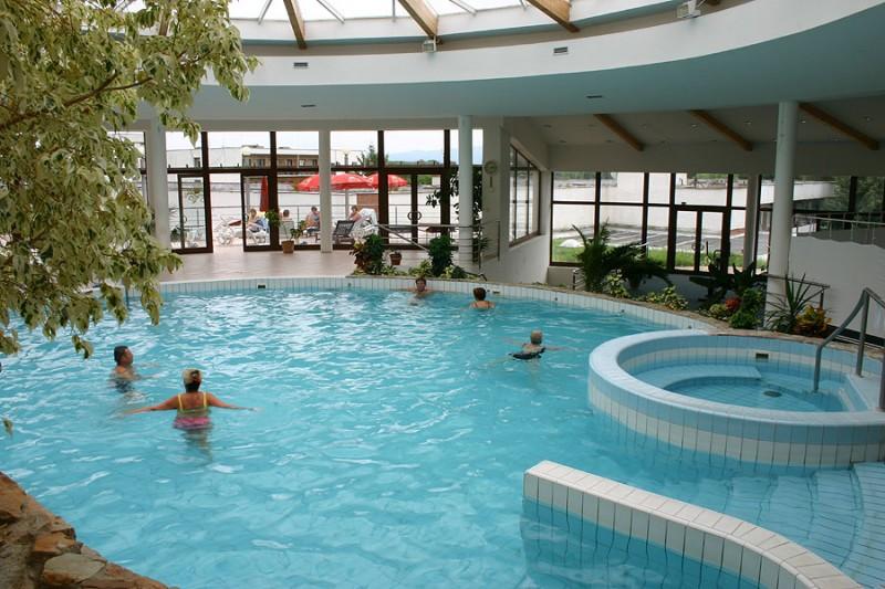 Víkendový pobyt s bazénom a masážou #2