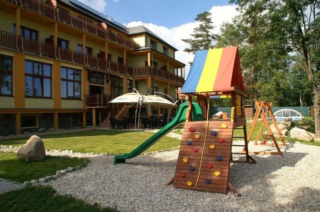 Letný pobyt vo Vysokých Tatrách s vonkajším bazénom, saunami a vírivkou #4