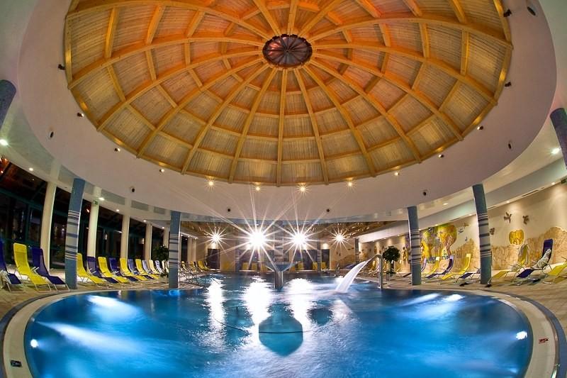 ZĽAVA: Relaxačný pobyt v kúpeľoch s procedúrami a vstupom do wellness #1