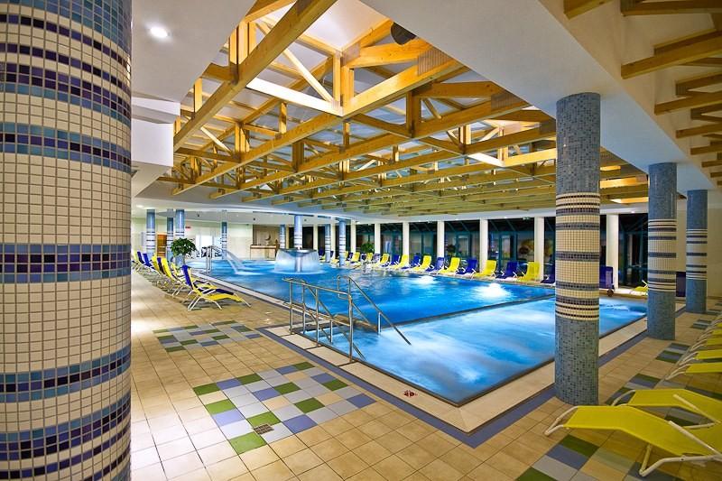 ZĽAVA: Relaxačný pobyt v kúpeľoch s procedúrami a vstupom do wellness #9