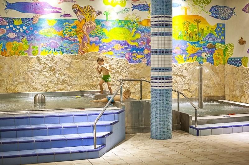 ZĽAVA: Relaxačný pobyt v kúpeľoch s procedúrami a vstupom do wellness #10