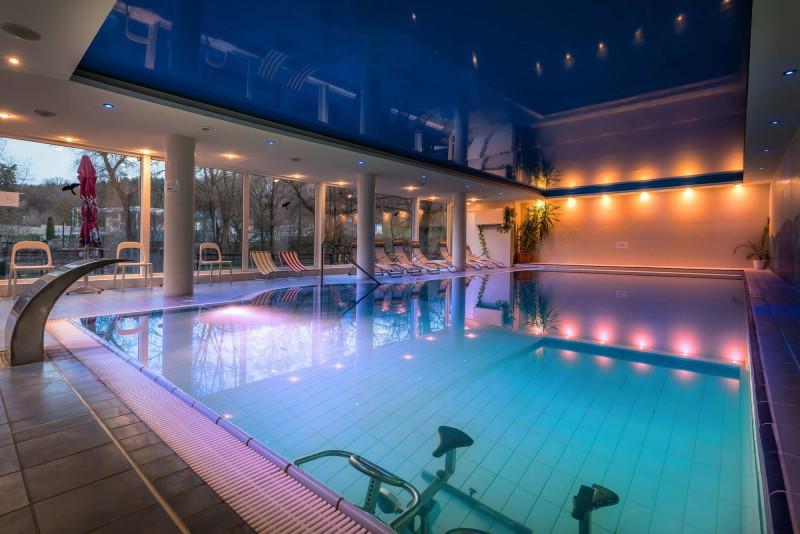 Letný pobyt so vstupom do wellness, bazénom a masážou #1