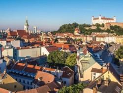 Objavte Bratislavu - Pobyt pre dvoch so vstupom do bazénu Bratislava
