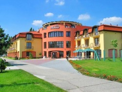 Wellness Hotel THERMAL - Thermal VADAŠ Resort Štúrovo (Párkány)