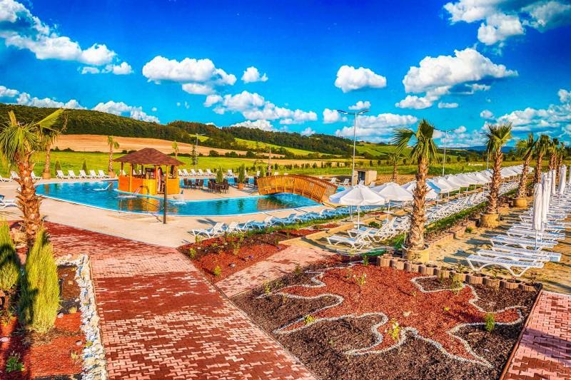 Dovolenka v raji Miraj Resort so vstupom do wellness a na morské kúpalisko #1