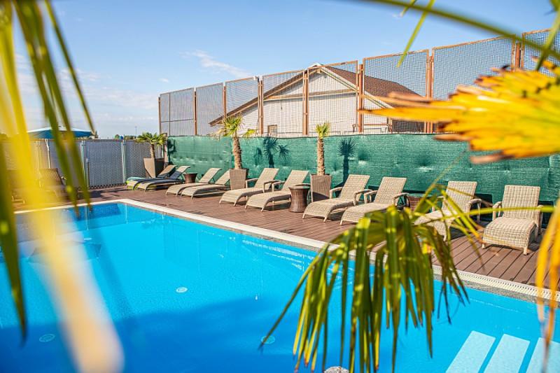 Letný balík pri Slnečných jazerách so vstupom do bazénov a wellness #4