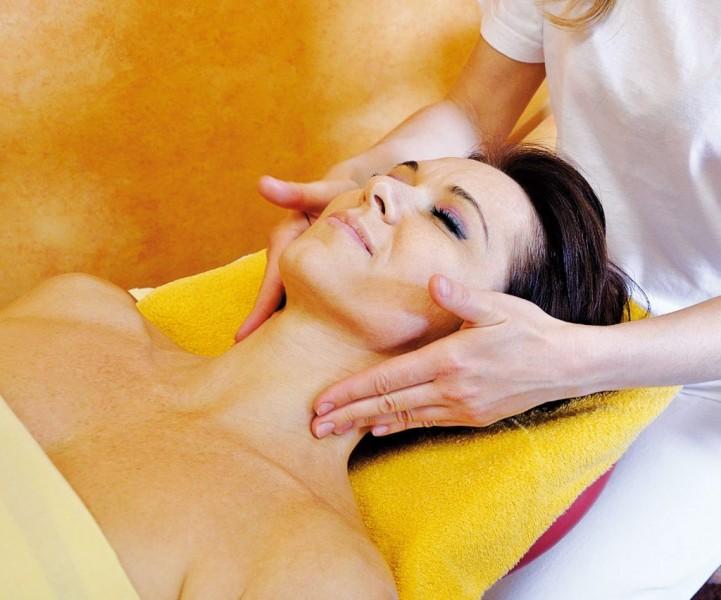 Kúpeľný víkendový pobyt (4 procedúry) s masážou #21