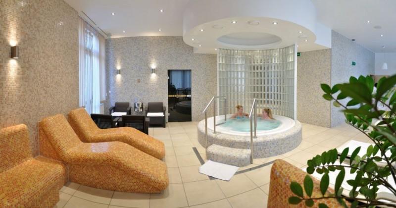 Kúpeľný víkendový pobyt (4 procedúry) s masážou #67