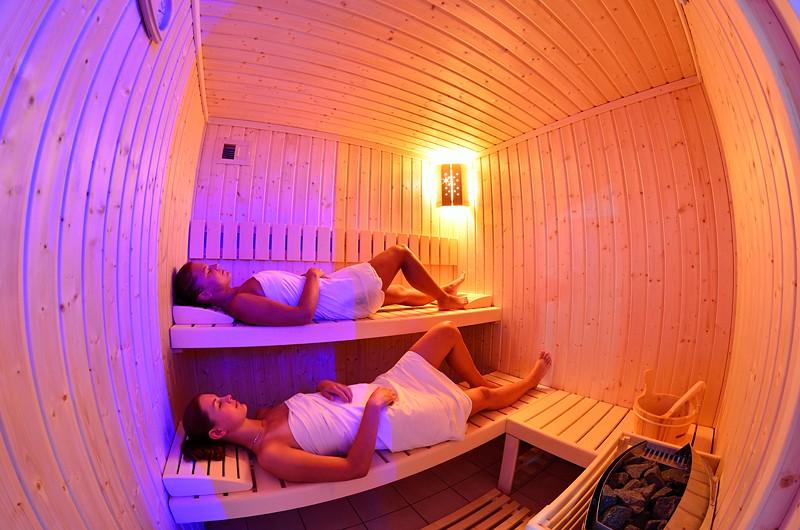 Letný pobyt v kúpeľoch s procedúrami, bazénmi a polpenziou #38