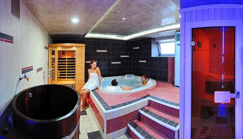 Letný pobyt v kúpeľoch s procedúrami, bazénmi a polpenziou #37