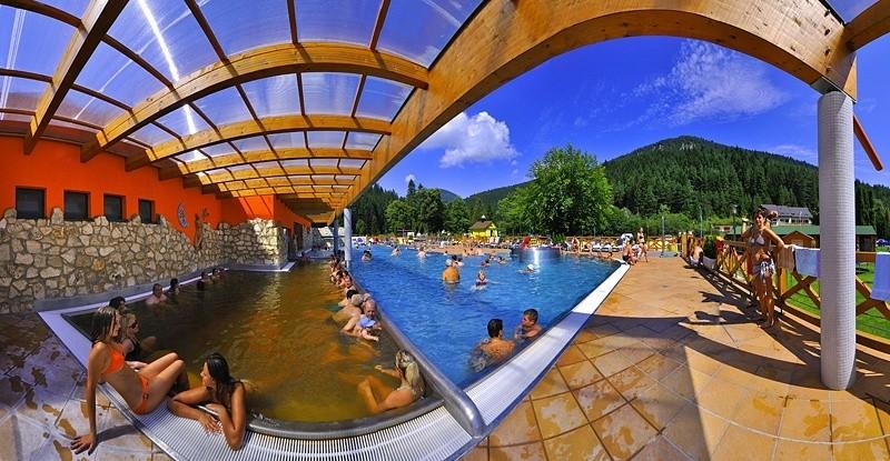 Letný pobyt v kúpeľoch s procedúrami, bazénmi a polpenziou #58