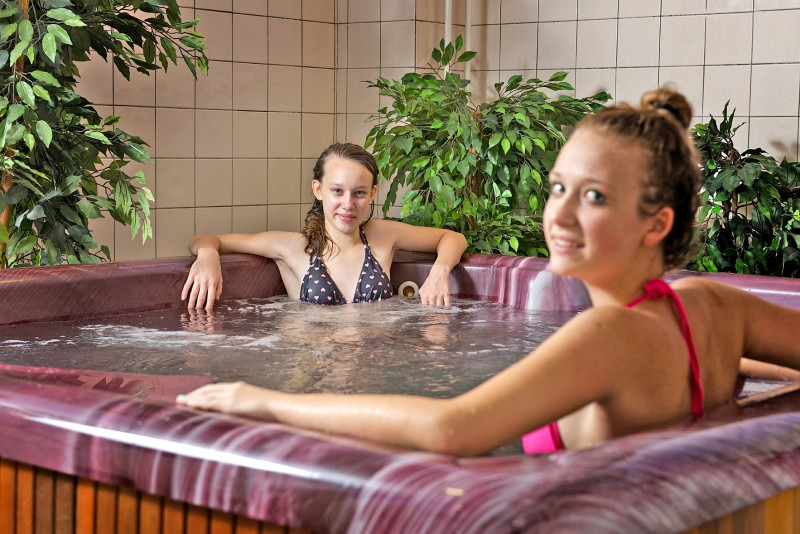 Predĺžený víkend s bazénom, vírivkou a zábalom (leto+jeseň) #2