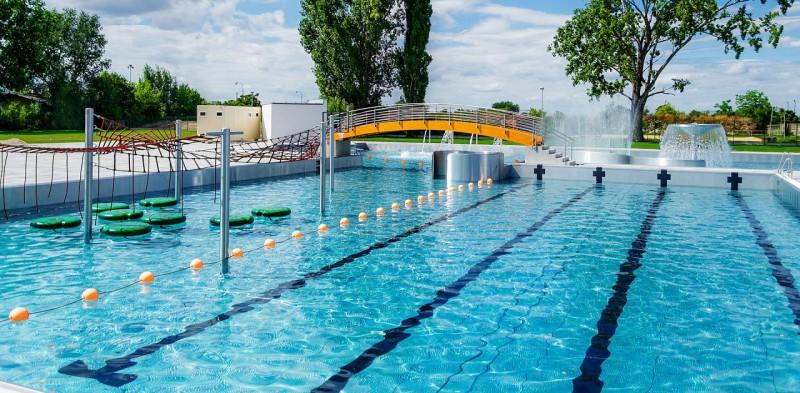 3b0d59416 Relax Aqua & Spa Trnava, Trnava - Summer outdoor swimming pools ...