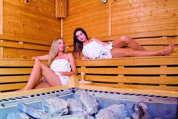 Relaxačný pobyt s masážou, neobmedzeným bazénom a saunou #3