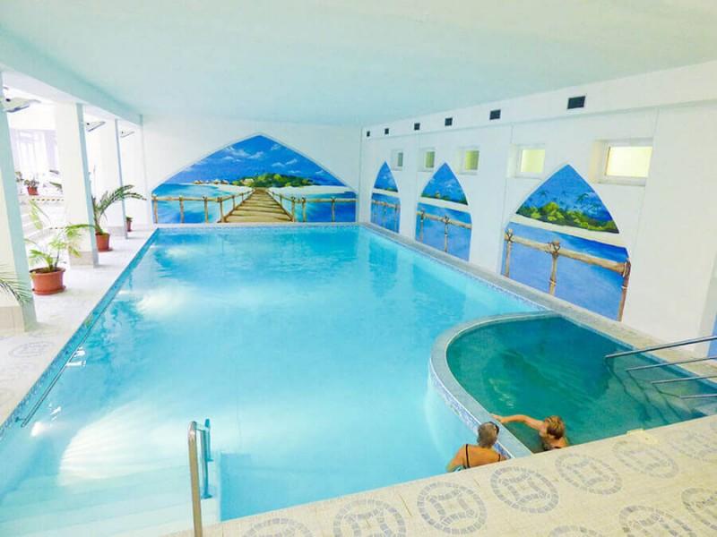 Víkendový pobyt s bazénom, saunou a plnou penziou #1