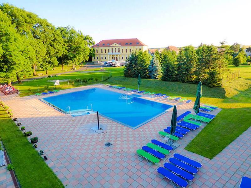 Víkendový pobyt s bazénom, saunou a plnou penziou #5